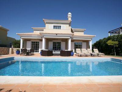 Photo for 6 Bedroom villa with games room in Varandas do Lago