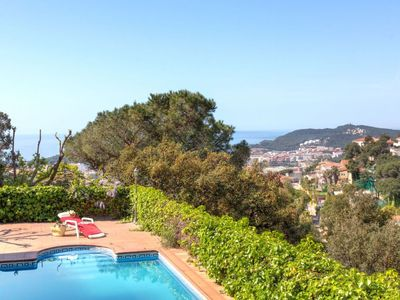 Photo for Apartment 1 km from the center of Lloret de Mar with Parking, Internet, Washing machine, Pool (496105)