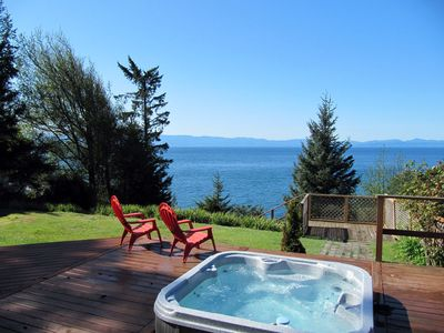 Hot tub in a great location!