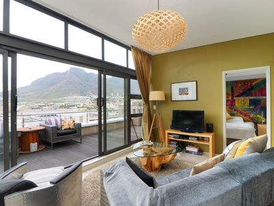 Photo for Fantastic Top Floor Apartment in CBD of Cape Town