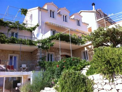 Photo for Apartment in Ivan Dolac (Hvar), capacity 2+2