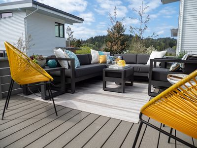 Welcome. Relax in the sun on the deck or curl up on a couch.