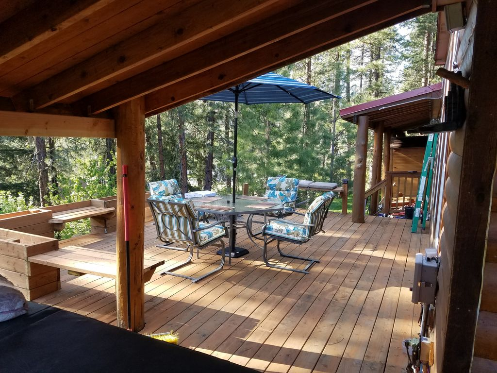 Cozy cabin close to leavenworth hot tub and great mountain for Leavenworth cabin rentals