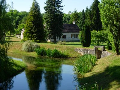 Photo for Charming cottage in Burgundy *** ECOLOGICAL