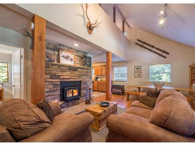 Photo for Lincoln Falls Retreat- 4 Bedrm / 2 bath Pet Friendly Mountain Retreat with HOT TUB!!