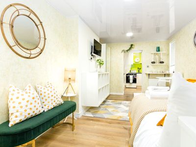 Photo for Charming 1 Bed Flat in Kensal Town near Maida Hill for 2 people