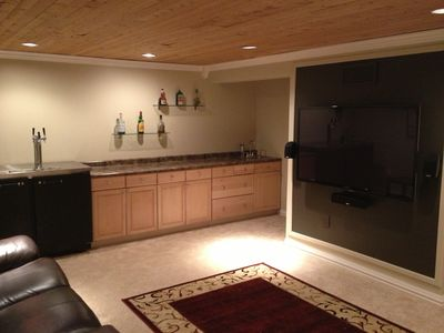 Photo for Beer on Tap + Sauna! Sleeps 5-7. 10 minutes to Superbowl.
