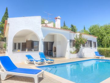 3 Bedroom Villa With Private Pool And Garden With Great Views Over Vilamoura And