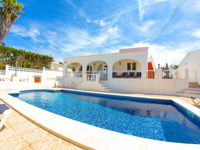 Photo for Sweet and welcoming villa with pool, 3 bedrooms, seaviews, air-conditioning