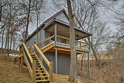 Plan your next retreat to 'Fox Run,' a vacation rental house in East Bernstadt.