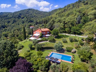 Photo for Panoramic luxury villa in hilltop location near Florence