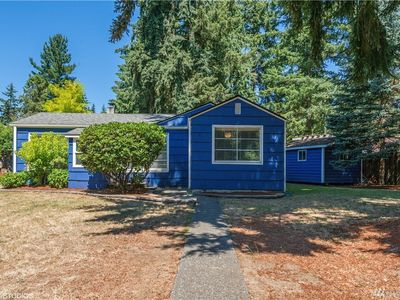 Photo for Charming Bungalow in North Seattle