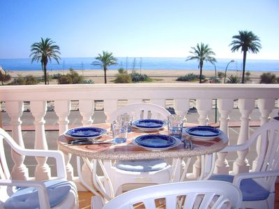 Photo for Apart-rent-Apartment on the beachfront with sea views (0100)