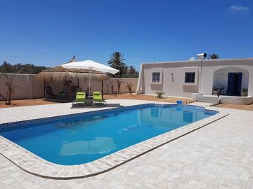 DAR ELYAS CHARMING VILLA PRIVATE LARGE POOL WITHOUT OPPOSITE NEAR THE SEA!