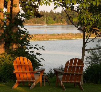 Photo for Beachwood Cottage, Lovely Private Waterfront