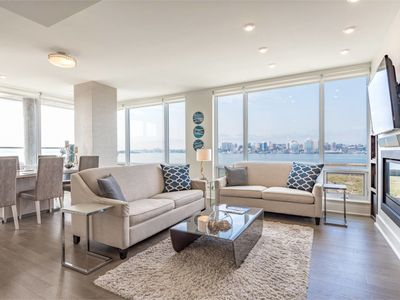 Photo for Elegant Condo with Million Dollar View and Parking