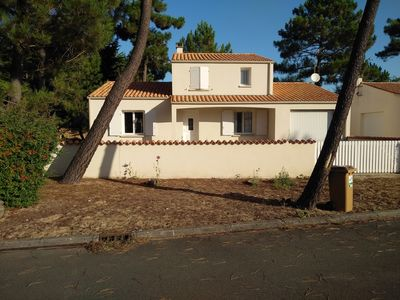 Photo for Comfortable villa, direct access to sea and forest