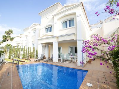 Photo for 3 bedroom Villa, sleeps 6 in Calpe with Pool and WiFi