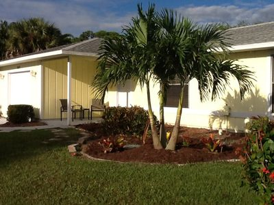 Love the palm trees in every yard!