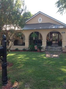 Charming Bungalow, convenient to downtown location, quiet neighborhood