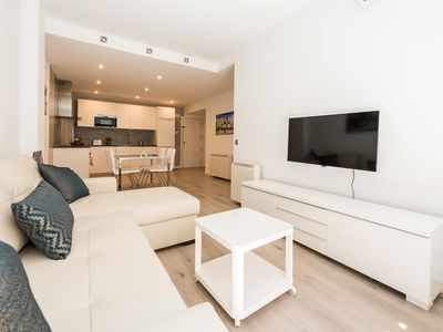 Photo for Apartment in the center of Madrid with Internet, Air conditioning, Lift, Balcony (698153)