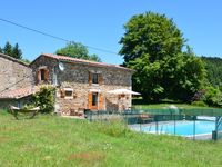 Beautiful place in the country with fabulous views, a wonderful heated pool and compact house.