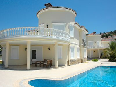 Photo for Dream vacation in a 4 bedroom villa with pool and sea views.