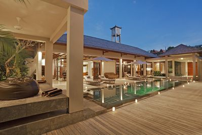 Book 3 BR, Stay at Large 4 BR Luxe Villa