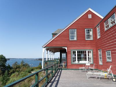 Downtown Hilltop Cottage - Breathtaking View