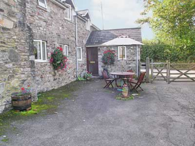 Photo for 2 bedroom accommodation in Shillingford, near Bampton