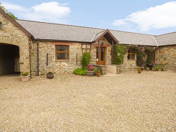 Puffin Cottage Pet Friendly With Pool In Llanboidy Ref 924599 Whitland Carmarthenshire