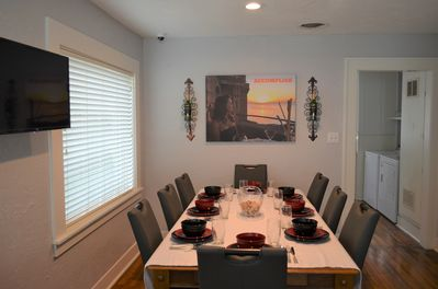 Entertain large groups at this great table for 8 to 10 guest