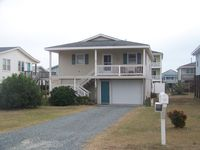 Great house! Perfect amount of space for our needs. Easy walk to the beach as well.