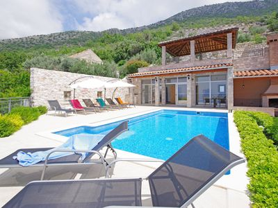 Photo for Amazing 6 Bedroom Villa with Seaview for 12 people