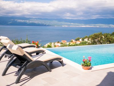 Photo for Luxury apartment in new villa with infinity private pool and stunning sea views