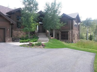 Photo for Spacious (6,600 sq. ft.) vacation home in perfect, private mountain setting