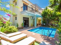 Beautiful Villa. Great location very clean. We couldnt ask for anything better. Thank you Agni an...