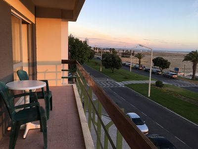 Photo for 2 bedroom apartment for 1-6 person (s) facing the beach
