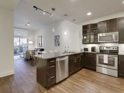 Photo for 2 bed Sanctuary in DWTN AUSTIN - WALK everywhere!