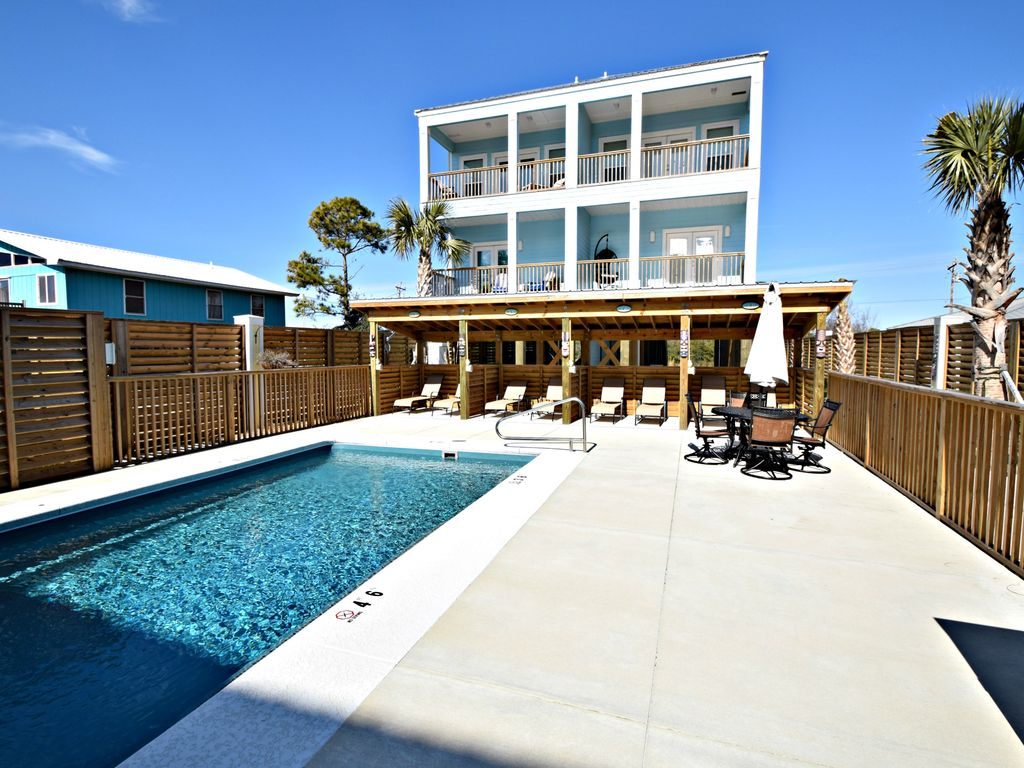 Spectacular new construction w pool caba vrbo for Virtual pool builder