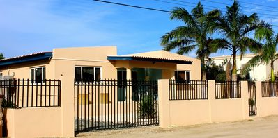 The front of our beautiful Aruba vacation house!