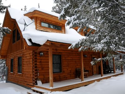 Photo for Lazy Moose Lodge - New, 5-Star Rated Log Home, 7 Mi to the Park!