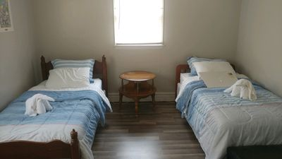 2nd bdrm with twin beds