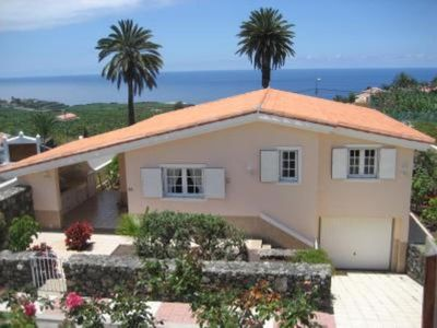 Photo for Villa with wonderful sea and Mount Teide views