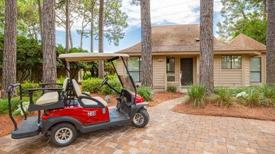 Quaint Villa with Golf Course Views!  Golf Cart,  Beach Tram, Screened Porch!
