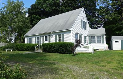 Photo for Spacious, Sun-filled Cottage. Walk to town, Harbor walk, and City Park.
