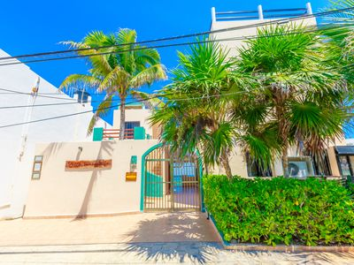 Photo for Villa Tranquila-Versatile 4 Bedroom Villa W/Rooftop Pool