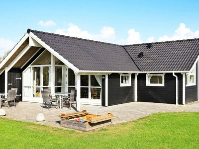 Photo for Sprawling Holiday Home with Indoor Whirlpool at Hemmet