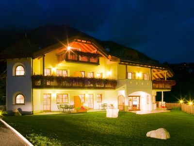 """Photo for Cosy holiday apartment """"Tischlerhof - Typ A mit Terrasse"""" with Wi-Fi, terrace and mountain view; parking available"""