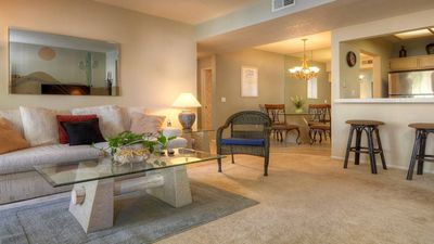 Beautifully Furnished & Great Location!!